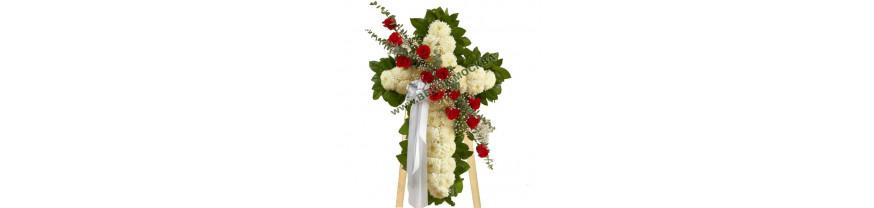 Купить венок крест из живых цветов